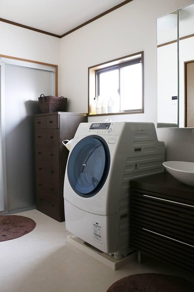 お手本はホテルのバスルーム! 家族も片づけたくなる「カンタン収納」の洗面所