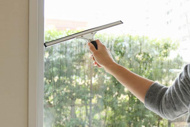窓掃除のハードルが下がっちゃう! 窓掃除グッズは、兼用&セット化で楽チン&スッキリ