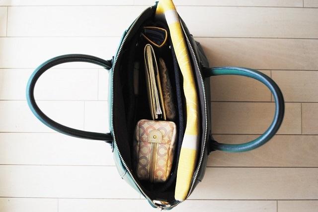 初心者にもおすすめ! バッグの中は自立するバッグインバッグで快適に