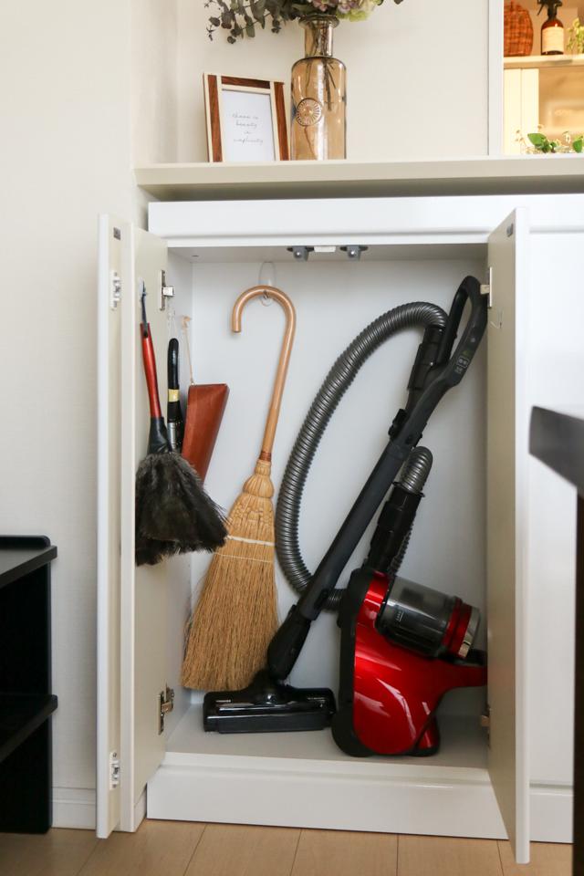 ズボラさんにオススメ! 生活感を出さずにいつでも使いやすい掃除道具収納
