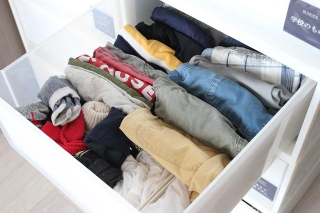 小学1年男子でも、洗濯物を自分でしまえる!衣類収納の仕組み