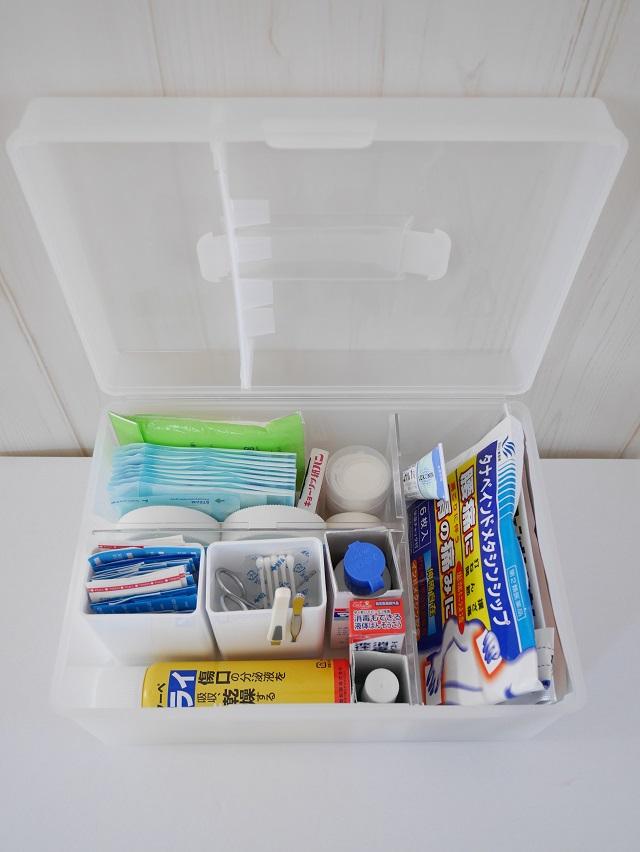 薬の収納は救急箱と引き出しの併用で。目的に合わせて使い分ける