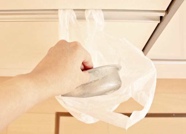 キッチンの排水口のフタを撤去したら、悪循環が好循環に変わりました!