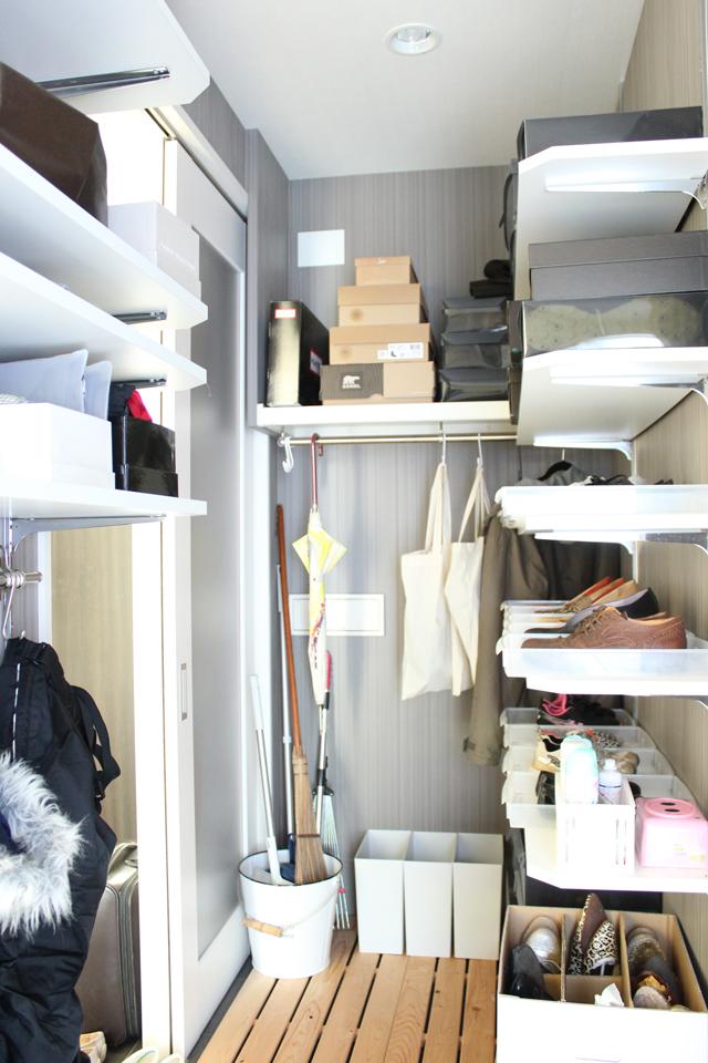 入れ替え簡単&お掃除ラクチンな靴収納