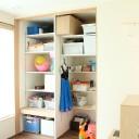 子ども部屋はなくてもOK?!造りつけの収納棚でつくるキッズスペース