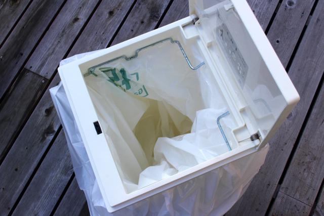 ゴミ箱の数や定位置を決めると、時短につながる!