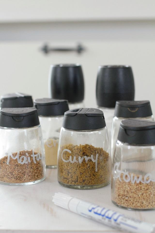 毎日頻繁に使う調味料、収納とラべリング