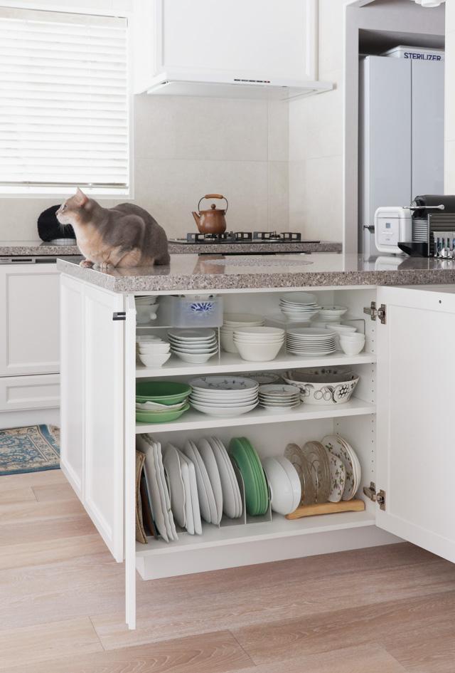 キッチンリフォームは「一目惚れしたグレージュの大理石カウンター」