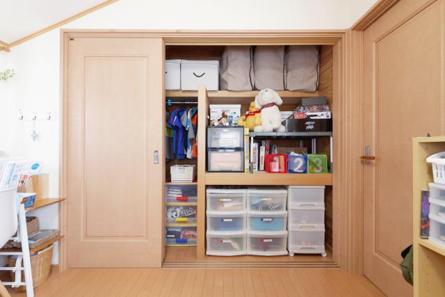 子ども3人で65畳の子ども部屋なのにスッキリその秘訣とは