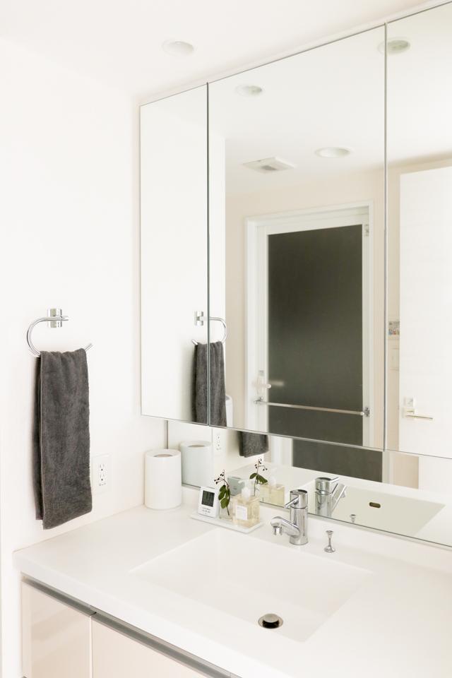 掃除しやすい洗面所にしたい! 片づけたくない夫vsスッキリさせたい妻の解決策とは?