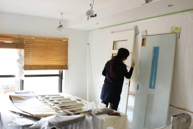 ドア1枚のペイントでできる DIYで快適空間を実現する方法