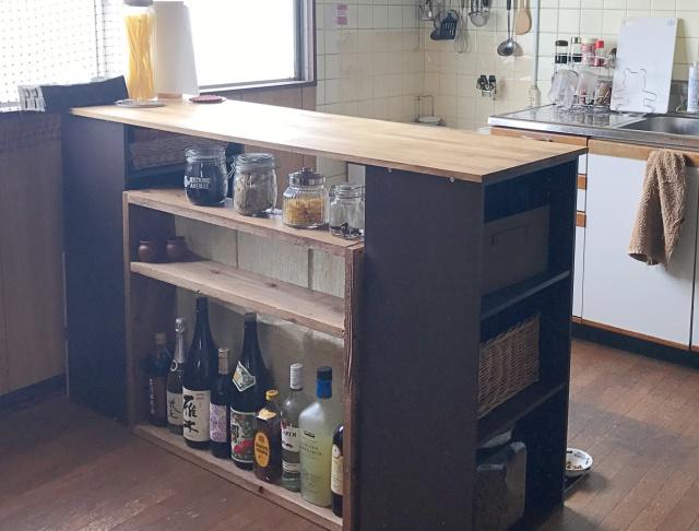 カラーボックスで作る、「両面収納」付きキッチンカウンター