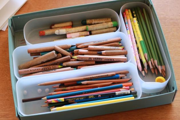 お絵描きタイムを応援!小さな子でもお片づけできちゃう「色鉛筆収納」3つのヒント