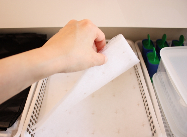 純正のフィルターじゃなくてもOK! 換気扇フィルターを楽にきれいに取りつける方法