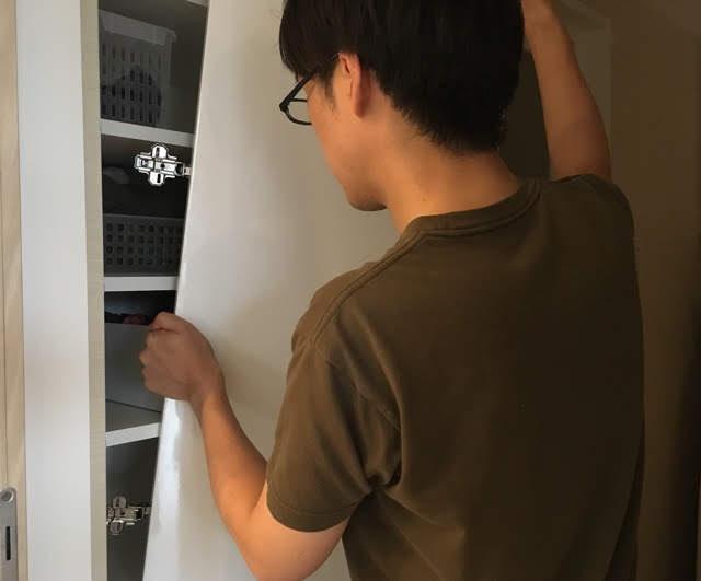 狭い洗面所の収納扉はあえて外す! 安心&楽ちん収納を実現する方法