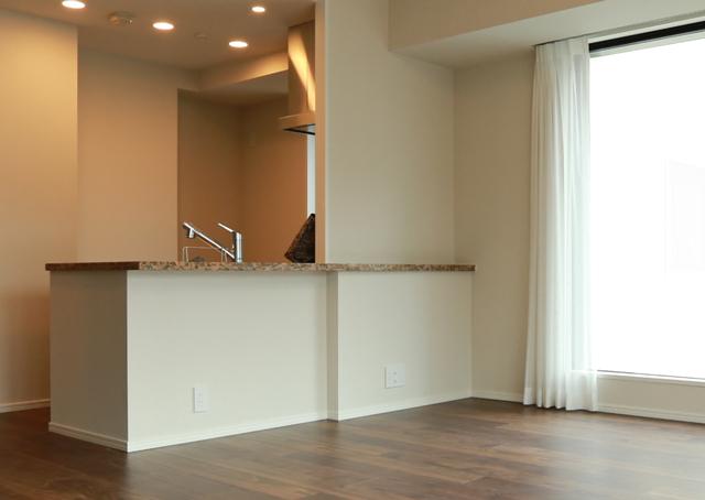 入居前プチリノベーションでオープンキッチンを自分好みに!片づけのプロが参考にした3つの格言