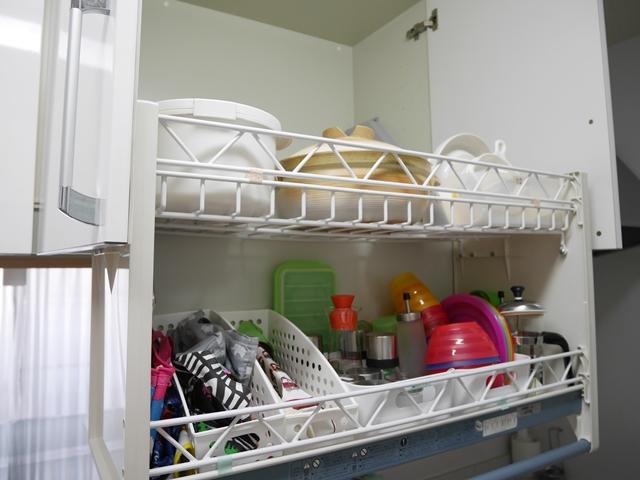 使いづらいキッチンの吊り戸棚収納の悩みを解決!ストレスフリーなキッチンへ
