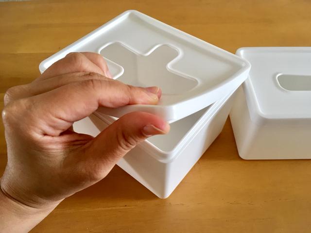 セリアの「プルアウトボックス」は、キッチンのこまごまアイテムの収納にぴったり!