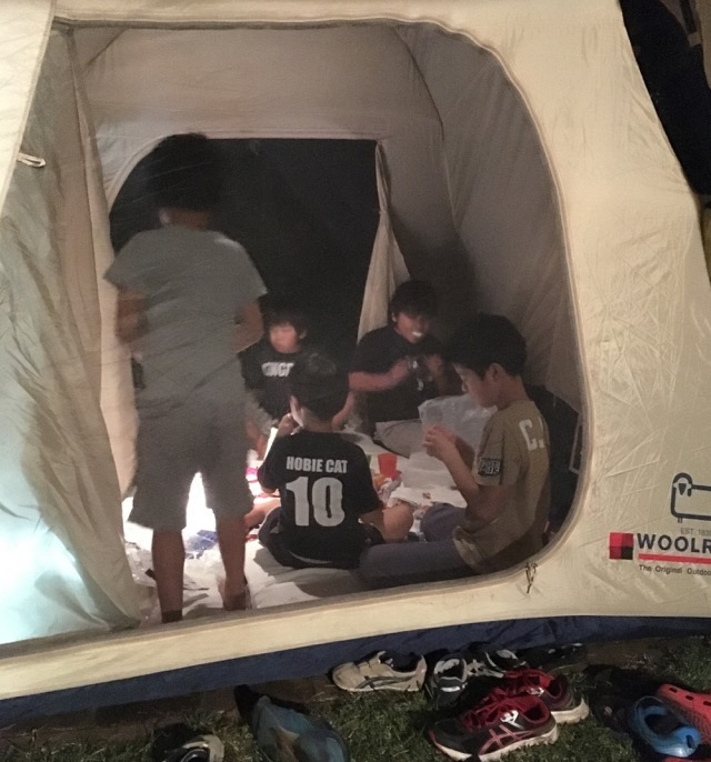 来客用布団はなくてもOK!子どものお泊まりは寝袋でキャンプ気分