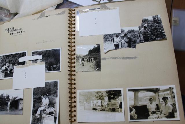 どうすればいい?亡くなった母のアルバム たどりついたのは「家族の歴史アルバム」