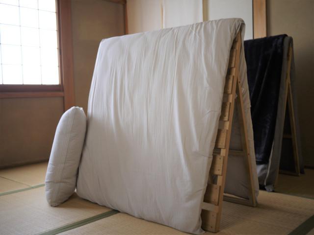 押入れがなくてもなんとかなる!布団収納のアイデアまとめました