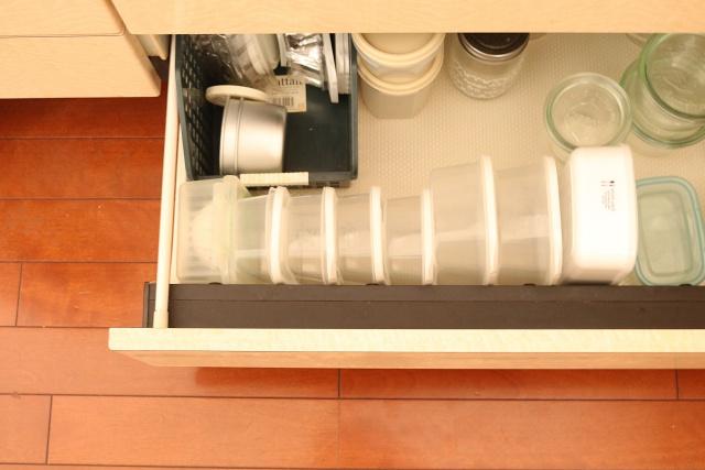 20秒の一手間で取り出しが簡単に!「ボックスティッシュ」と「保存容器」の収め方