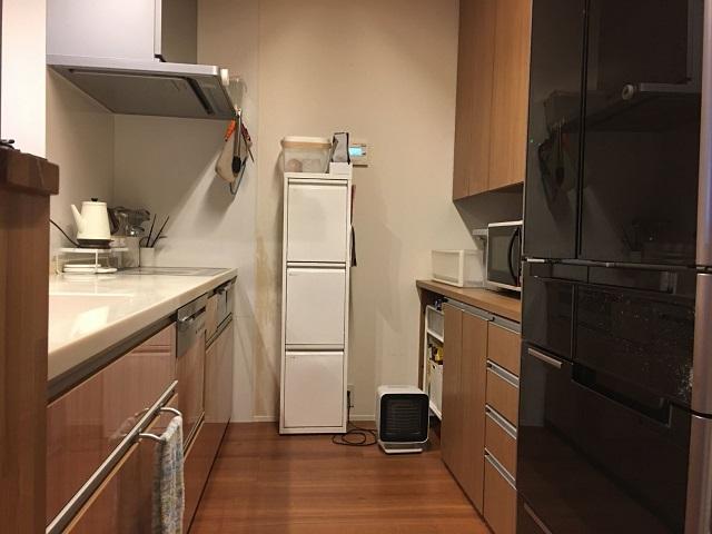 面倒でストレスに感じていたキッチン仕事が、ちょっとした工夫と見直しで楽ちんに! ストレスフリーになった食器収納のビフォア&アフターを紹介します。