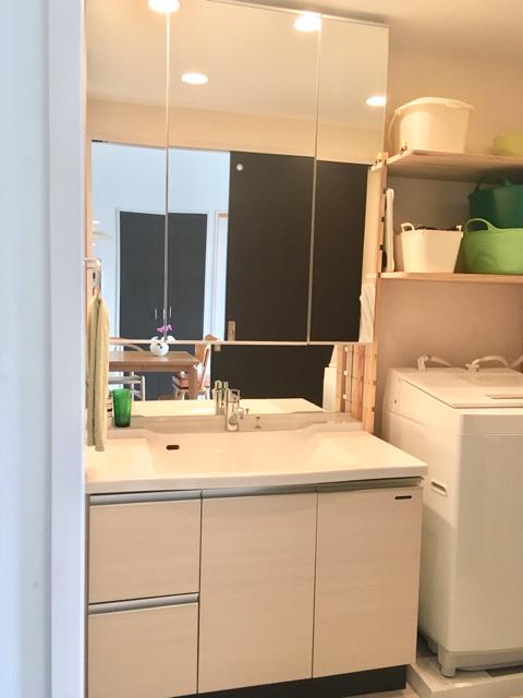 洗面台の鏡裏収納のオーガナイズ、使い勝手が抜群に良くなった理由とは?