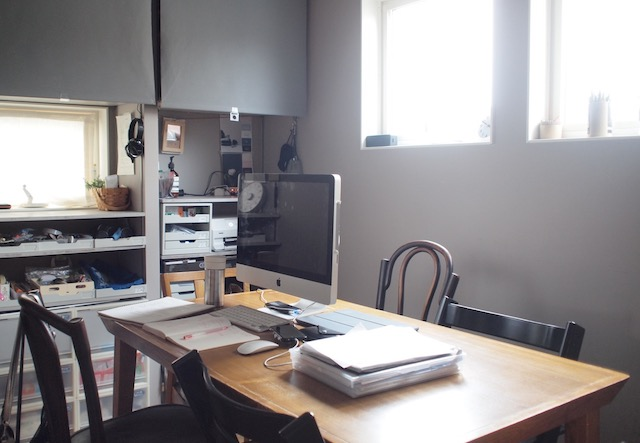 デスクトップパソコンを使いたい! ダイニングテーブルを兼用するメリットとコツ