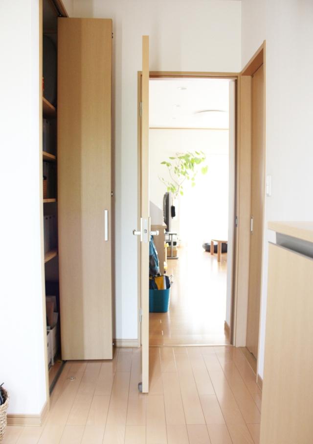 """玄関や廊下の """"何を入れたらいいかわからない物入れ""""、この3つをしまうのがおすすめです"""