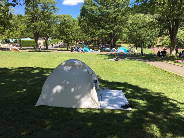 インドア派の頑張らない週末の過ごし方。ポップアップテントで「家キャンプ」