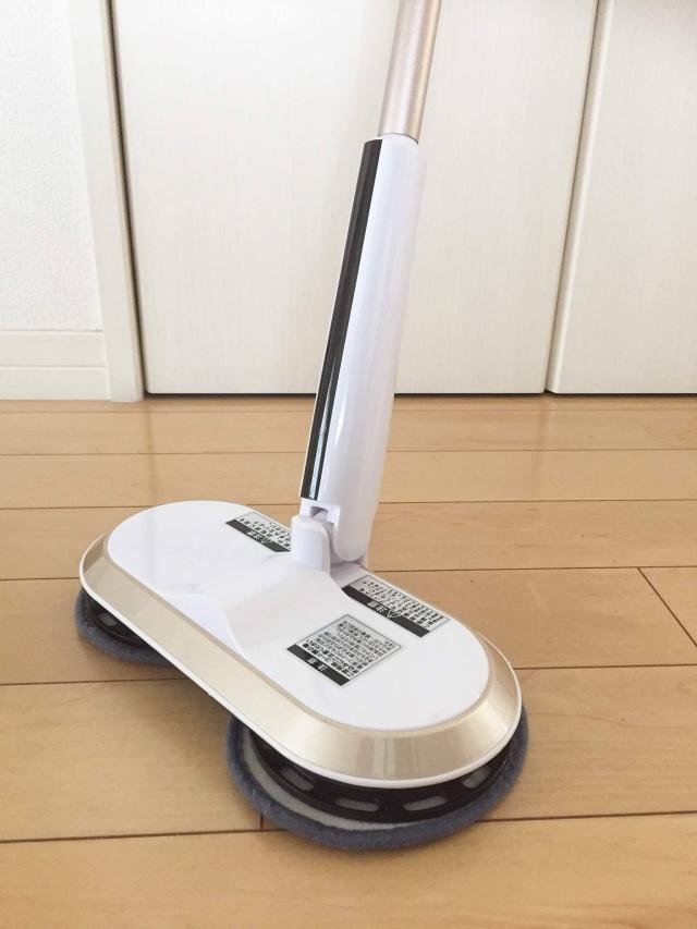 家も家族にも予想以上の効果!拭き掃除のハードルが下がった「コードレス回転モップクリーナー」