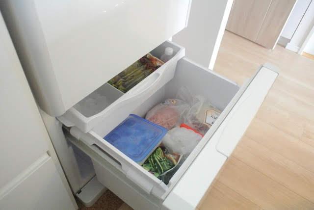 """あふれがちな冷凍室をオーガナイズ! 目的から考えたら """"栄養別収納""""が正解でした"""