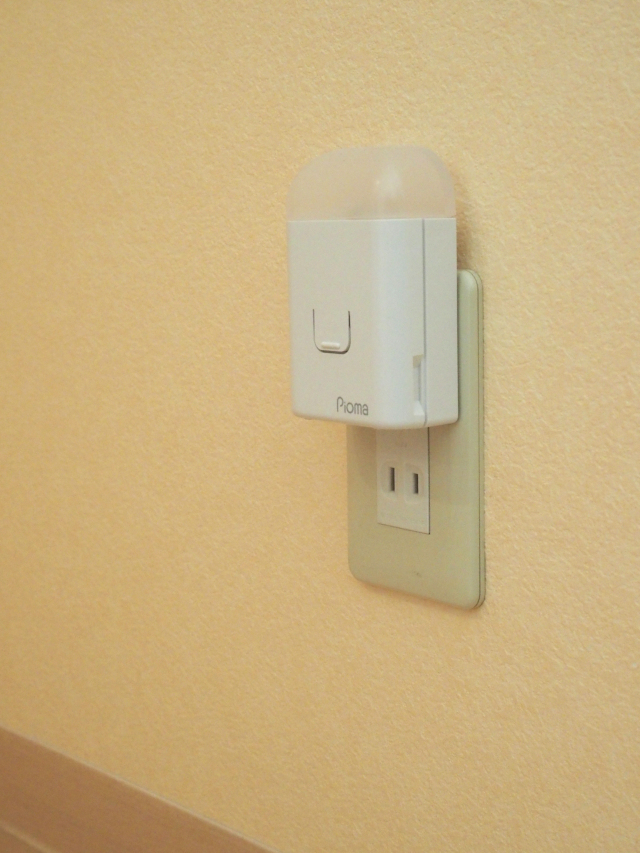 非常用ライトはもしものときの想定シーンで選ぶ。就寝時・入浴中・移動用3つの安心を確保しよう