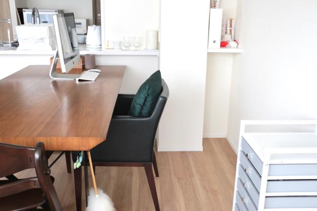 テーブルの上に書類の山!!「溜まるところに収納スペース」でスッキリ解決