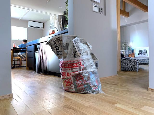 夫のゴミ出しを楽にしたゴミ袋収納 45Lゴミ袋は引き出しに放り込むだけ!