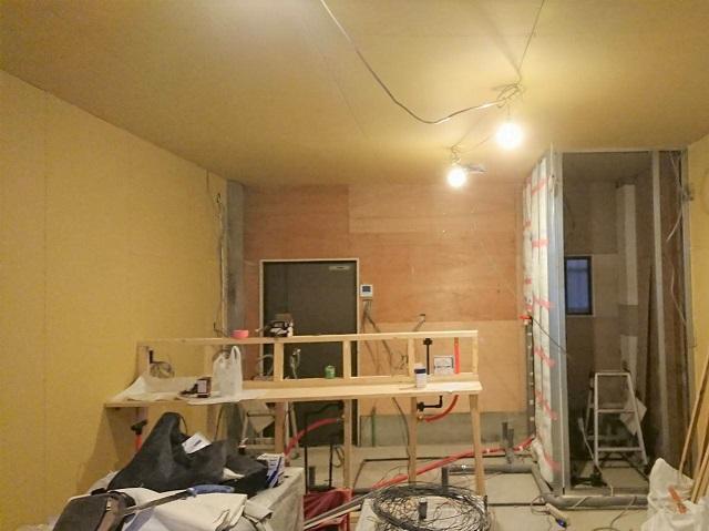 【実録】素人でもできた!カフェ風インテリアのDIY~珪藻土・壁塗り編~