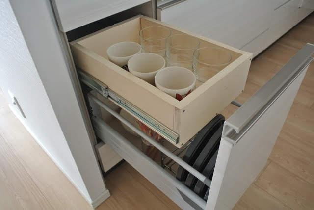 不器用でもできた!DIYでキッチンにスライドレール付き引き出しをプラス