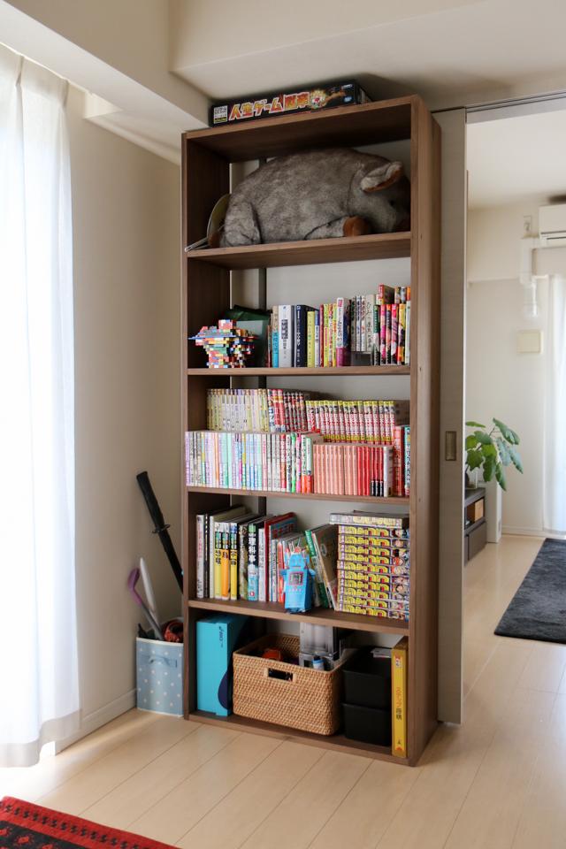 本棚にたくさん本を置きたい人必見! 110円以下で手に入る、本収納グッズ3選
