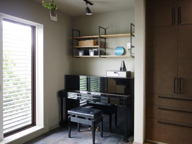 """【実録】家づくり&片づけのプロが自宅を建てる ~""""見せる収納""""は棚の素材選びから"""