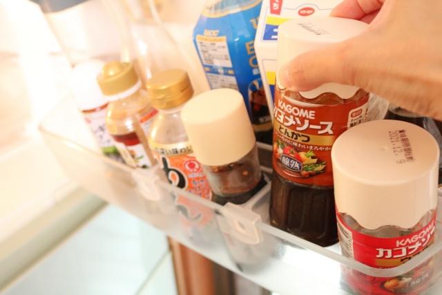 冷蔵庫の「見つからない・倒れる・使い忘れ」を100均「セリア」の4つのアイテムで解決!