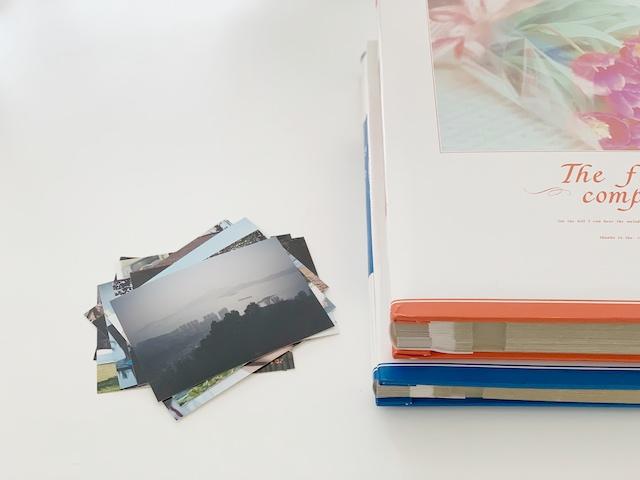 分厚いアルバムの整理はどうする?捨てにくいプリント写真を廃棄するには