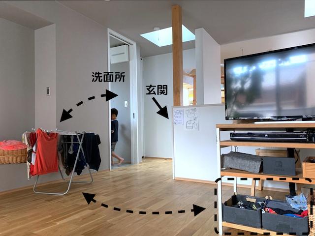 テレビ台収納に洗濯物まで!? ラクに片づき、リビングをスッキリ保つテレビ台収納の活用法