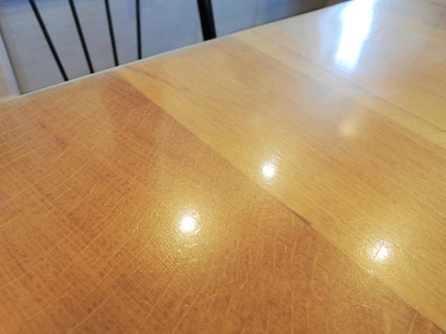 奮発してよかった!「ニトリ」の「FPマット」でテーブルの傷汚れ防止。3年使用で実感したメリットデメリット