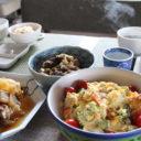食器が食器棚に入らない! シンプル定番の食器+彩りは大皿のマイルールで、ラクに収納・楽しく時短