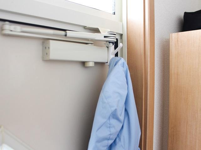 【玄関収納】防寒グッズの置きっぱなし、床の水濡れを防ぐためにしている3つの工夫