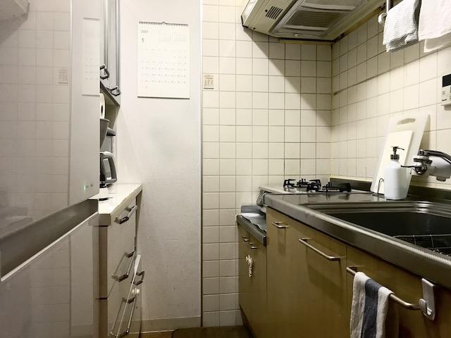 ポイントは「少なめに持つ」。片づけをがんばらないキッチンを作る方法