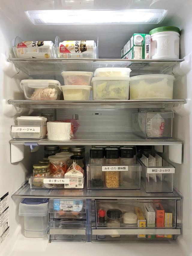 「冷蔵室の最上段が使いづらい」は、棚板を外す、高さをいかす、道具をプラスで解決!