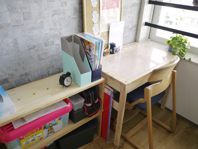 リビング学習がうまくいかない? 小5&小1で学習机を子ども部屋へ移動した理由