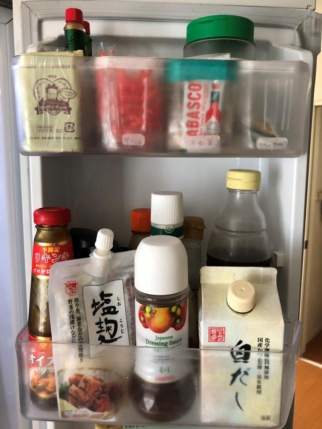 もったない!冷蔵庫の中で溜まりがちな付属の小袋調味料を上手に使い切るコツ